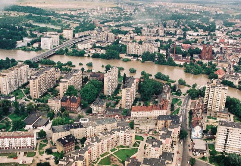 Opole, powódź 1997 r. / arch. RZGW we Wrocławiu Zobacz jak wyglądało Opole i okolice podczas powodzi w 1997 r.