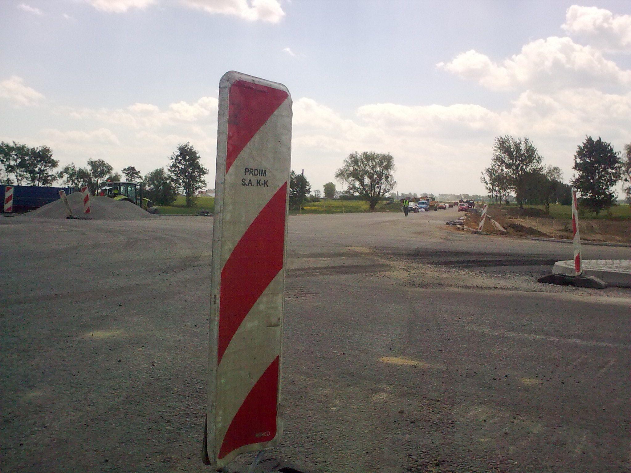 Przedłuża się remont DW 901 w gminie Dobrodzień. Wszystko ma być gotowe do końca miesiąca